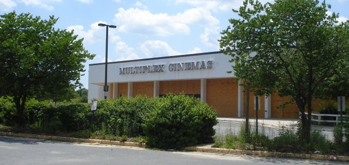 Lee Highway Multiplex Building in Merrifield VA on June 26, 2009