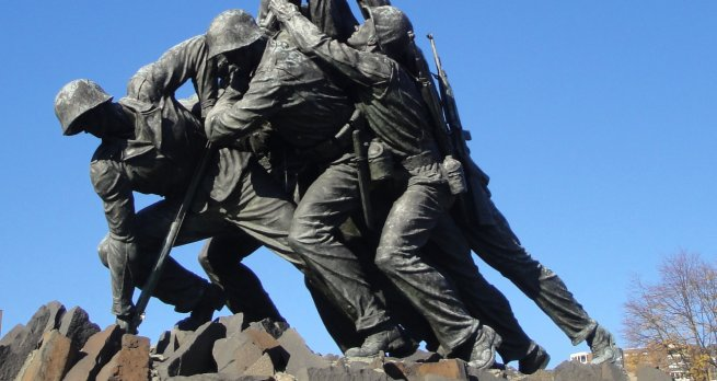 I walked from Roslyn to Arlington Cemetery, going past the Marine Memorial, with the Iwo Jima statue. I have posted pictures before. Above is a closer detail.