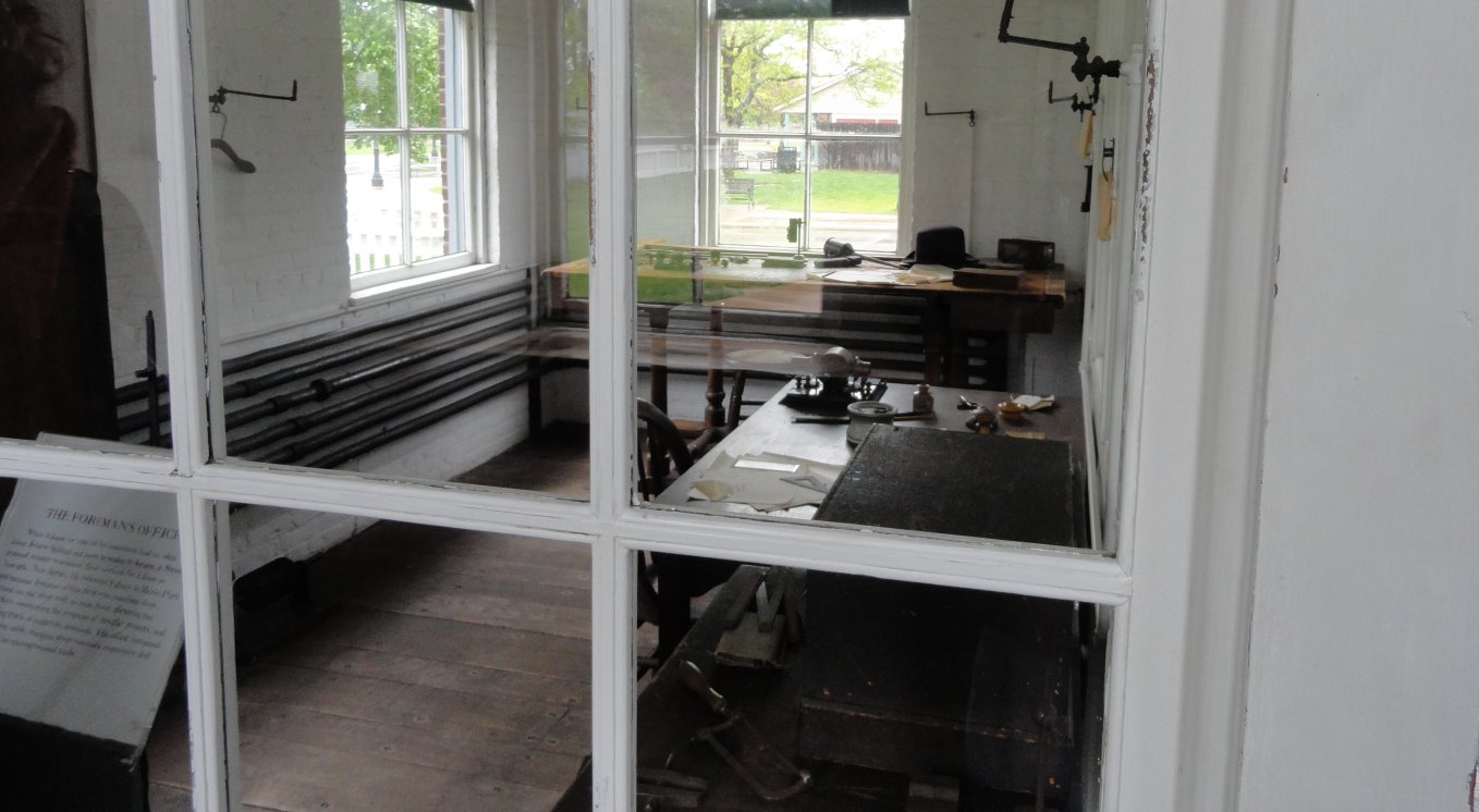 http://johnsonmatel.com/2011/May/Greenfield_Village/Foreman_office_at_Edison_lab_at_Greenfield_Village