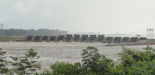 http://johnsonmatel.com/2014/april/Porto_Velho/Dam_gates.jpg